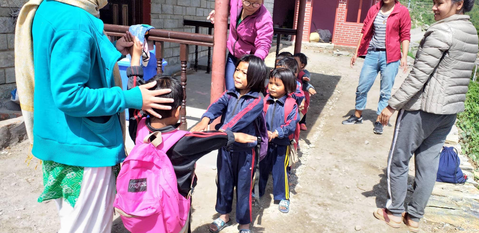 de openbare school in Goljung